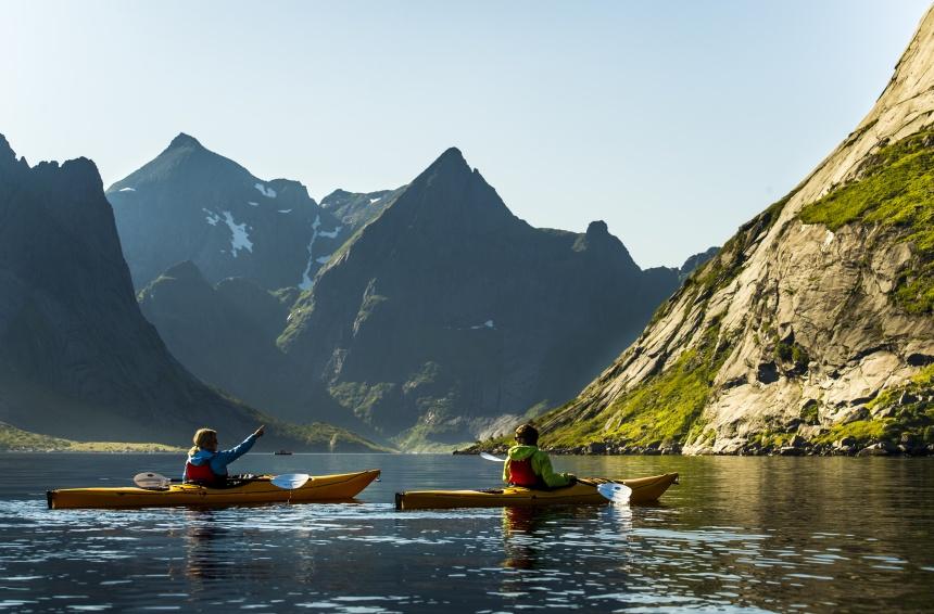 Kayaking-in-Reinefjorden.-860
